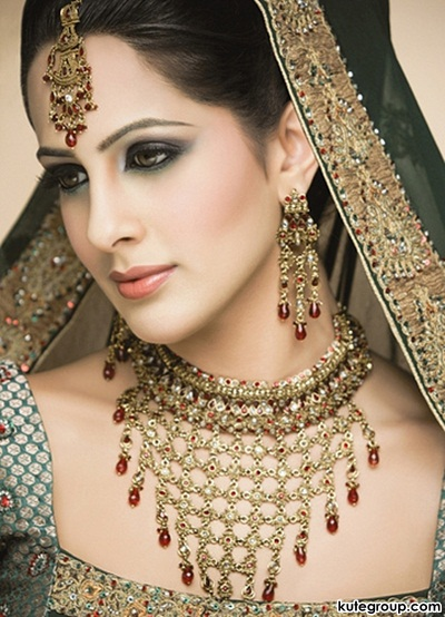 beautiful-bridal-makeup- (2)