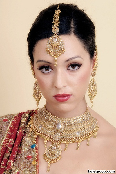 beautiful-bridal-makeup- (3)