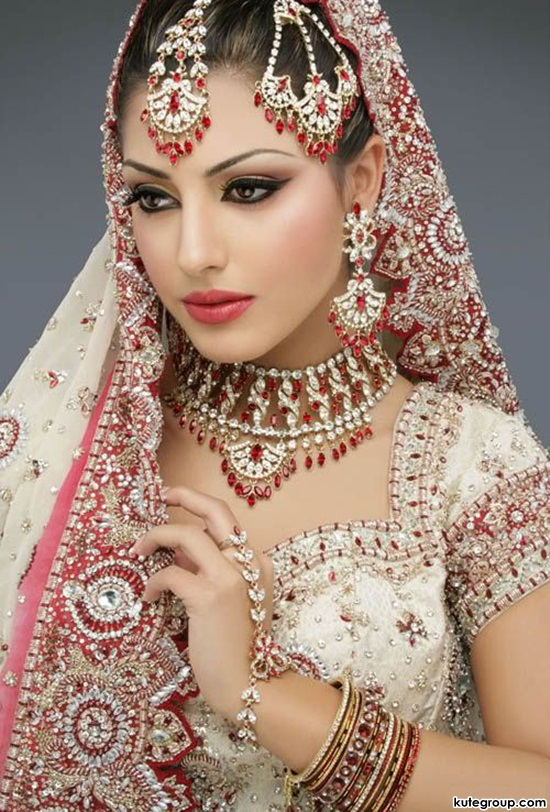 bridal-makeup-and-jewerly- (7)
