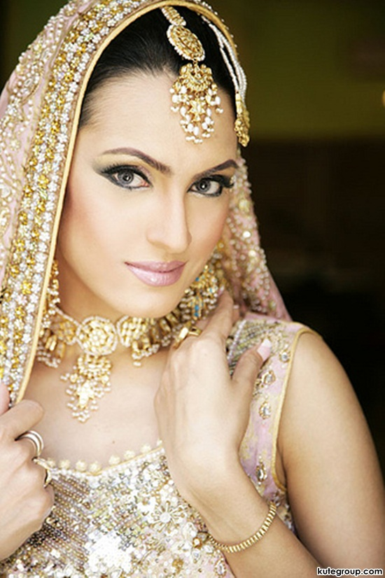bridal-makeup-and-jewerly- (9)