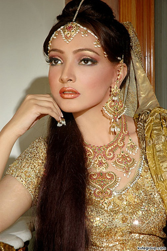 bridal-makeup-and-jewerly- (1)