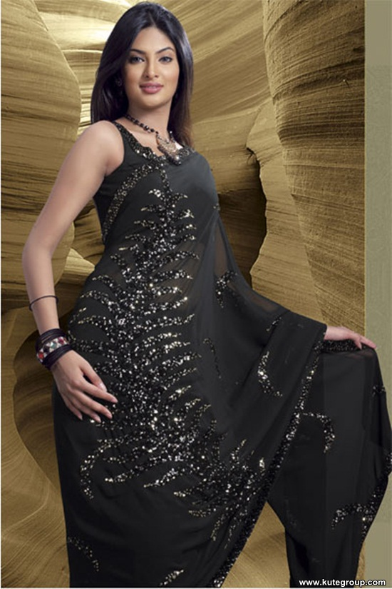 black-saree-designs- (6)