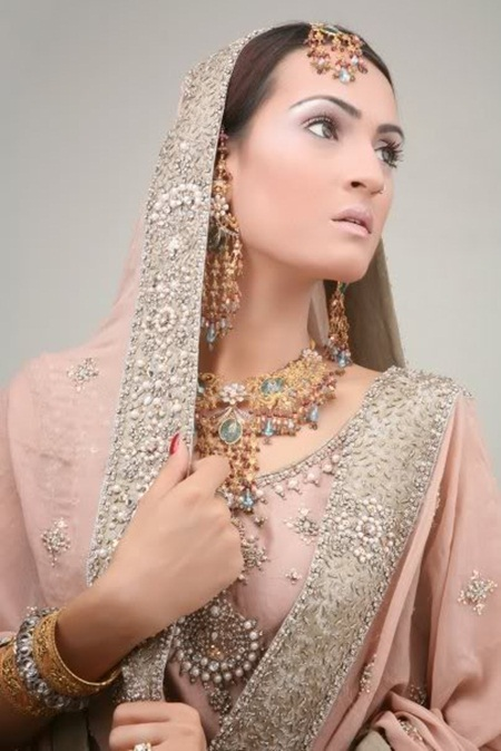 pakistani-jewelry-designs-11