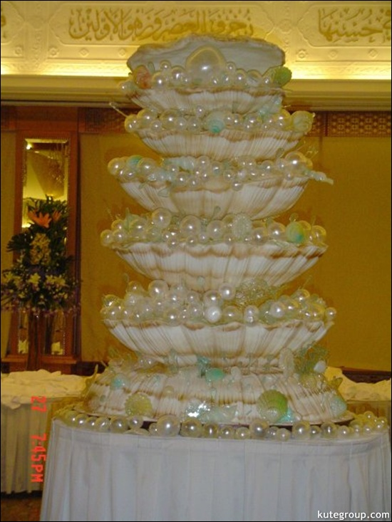 large cakes