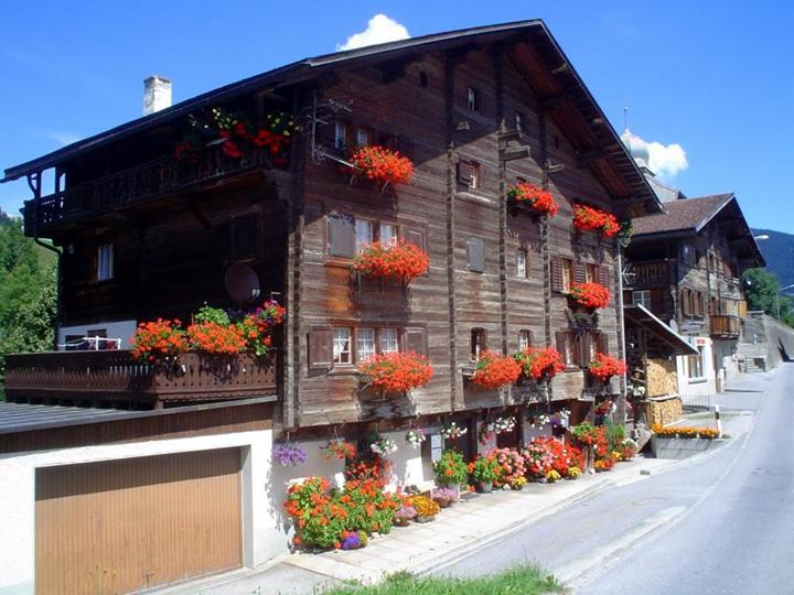 honeymoon-destination-switzerland-photos- (5)
