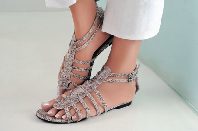 ladies-casual-shoe-and-sandals- (4)