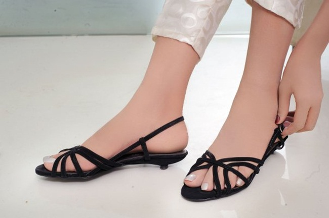 ladies-casual-shoe-and-sandals- (10)