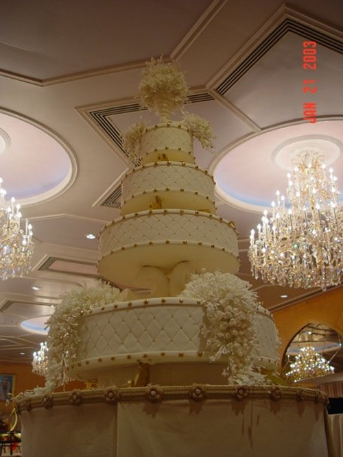 large wedding cakes