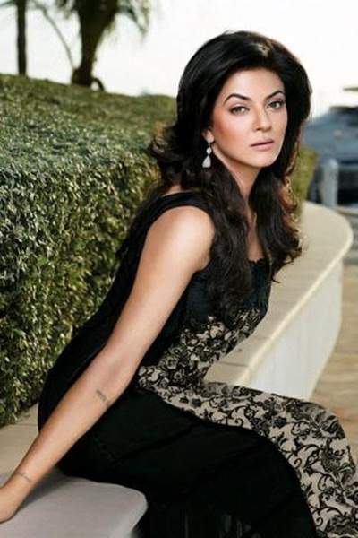 sushmita-sen-crescent-lawn-collection-for-summer-2011- (10)