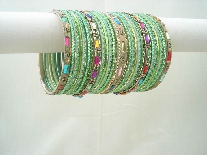 colorful-indian-bangles- (1)