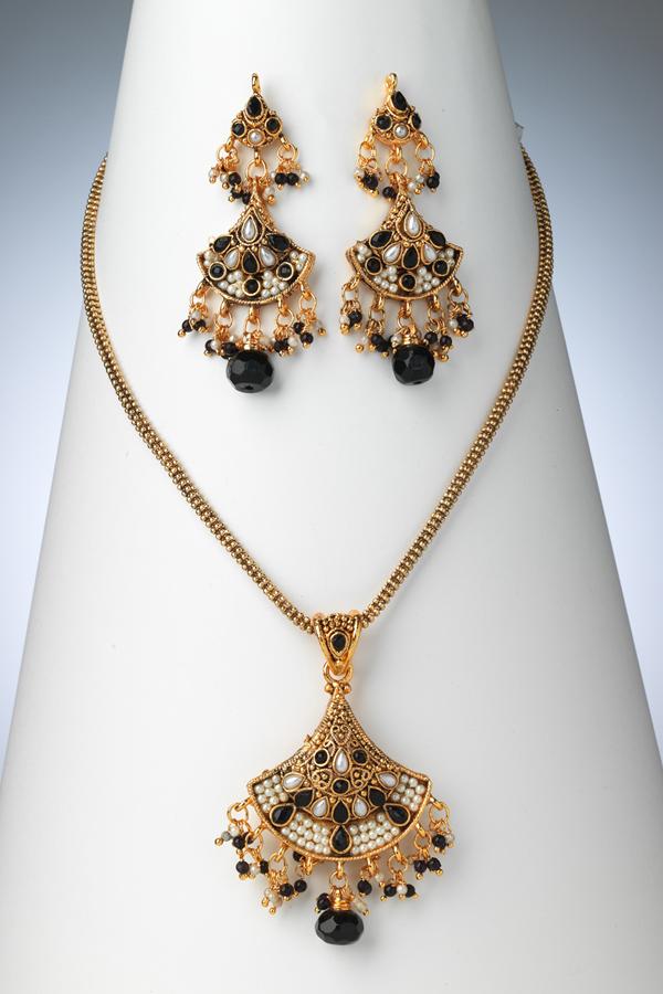 pakistani-jewelry-sets- (1)