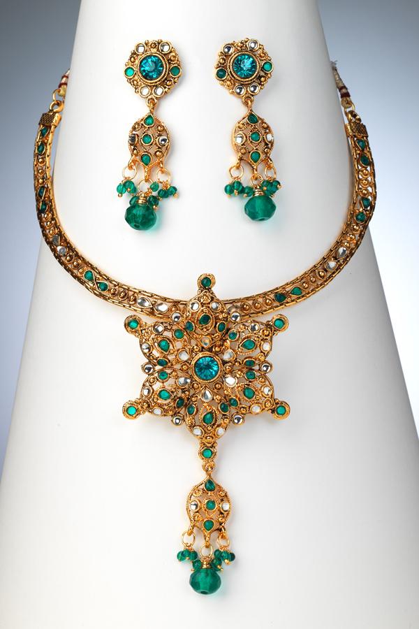 pakistani-jewelry-sets- (10)