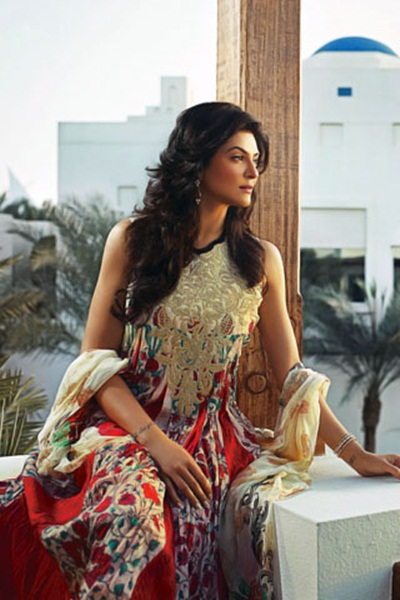 sushmita-sen-crescent-lawn-collection-for-summer-2011- (1)